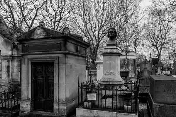 قبرستان پرلاشز و مقبرههای معروف پاریس   Pere lachaise