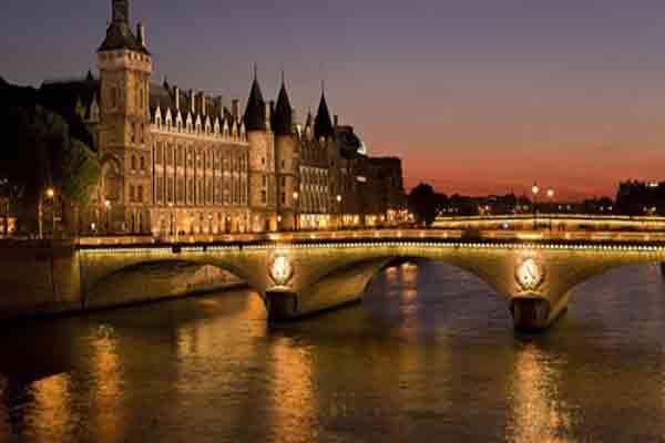 ۱۰ تجربه متفاوت در مشهورترین پایتخت دنیا پاریس