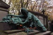 قبرستان پرلاشز پاریس و مقبرههای معروف آن | Pere lachaise