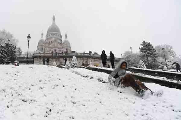 پاریس در برف | سکره کور