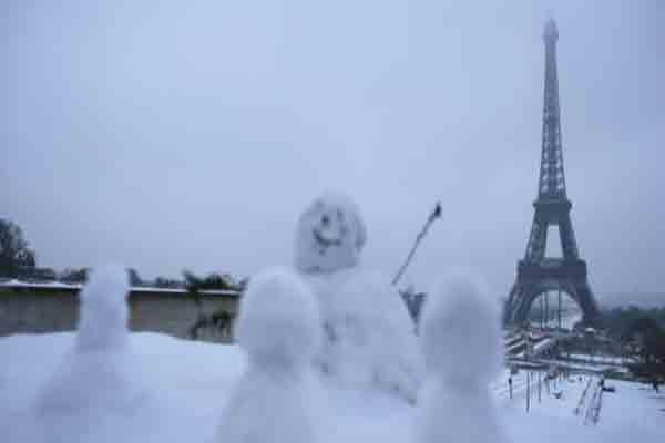 پاریس در برف | سکره کور | برج ایفل