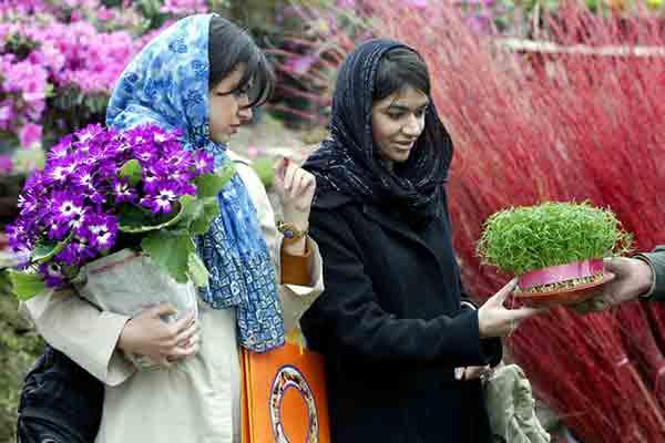با بهار ، فارسی زبان جهان نوروز را جشن می گیرند
