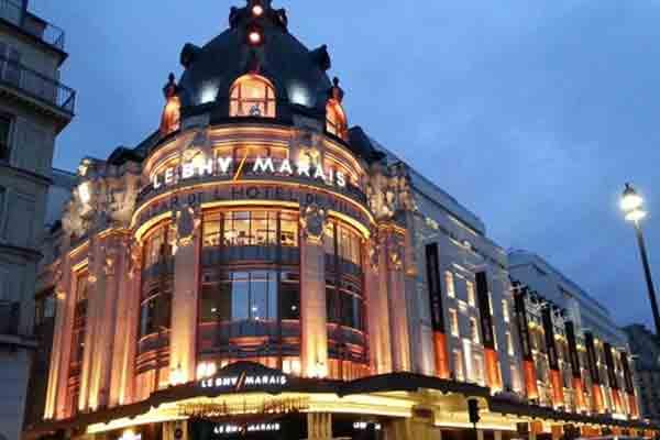 مهمترین مراکز خرید پاریس ,خیابان ریوولی , Rue de Rivoli ,مرکز خرید بزرگ BHV , Hôtel de ville