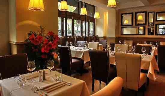 "رستوران بطری طلائی "" La Bouteille d'Or """