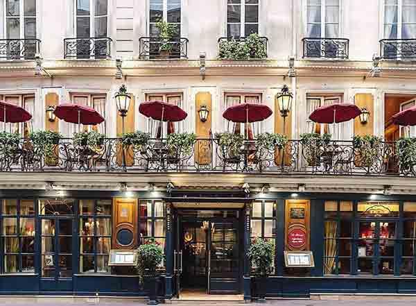 نمای بیرونی کافه پروکوپ پاریس