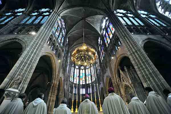 کلیسای سن دنی پاریس , باسیلیک سن دنی پاریس , آرامگاه پادشاهان فرانسه