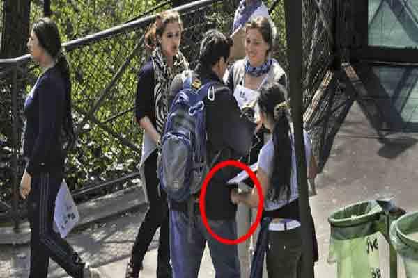 کمک به خیریه / جمع آوری امضا,کلاهبرداری از توریستها در پاریس
