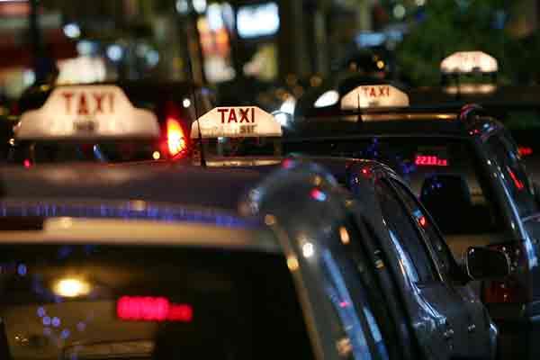 راننده تاکسیهای کلاهبردار در پاریس | راننده تاکسی جعلی | راننده تاکسی تقلبی
