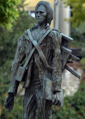 مجسمه ونگوگ ساخته زادکین