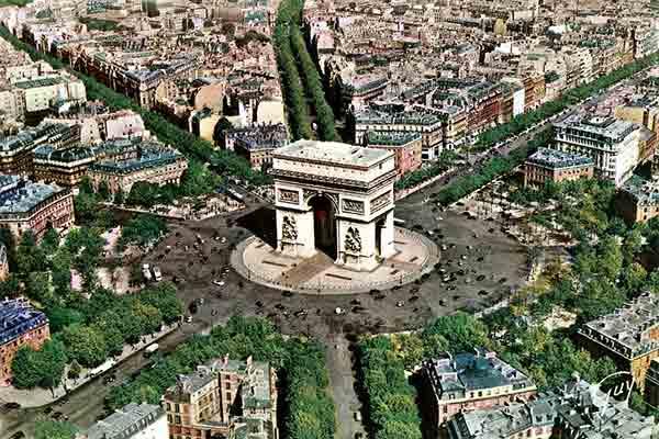 میدان شارل دوگل پاریس | محلی برای  رویدادهای مهمملی