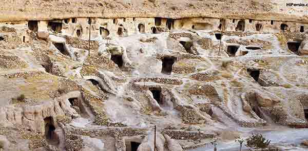 روستای صخرهای میمند