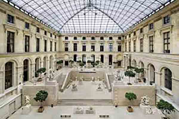 le Louvre cour Marly