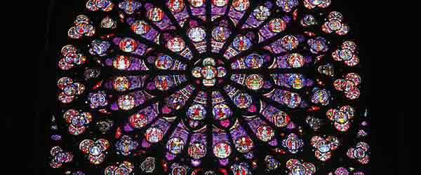 Les vitraux des rosaces de Notre-Dame de Paris