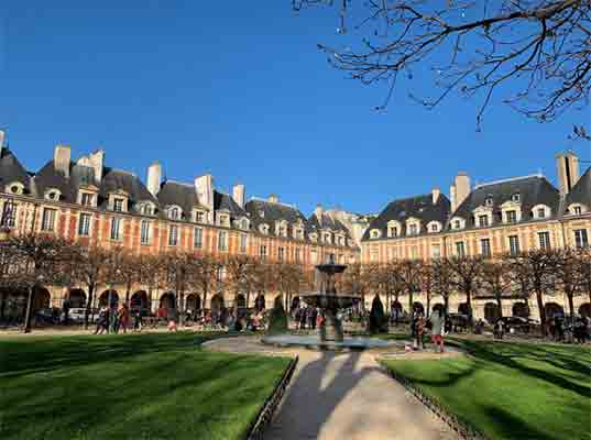 place vosges paris