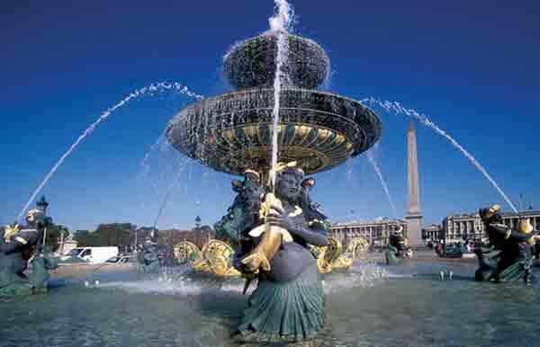 معرفی میدان های پاریس | جاذبه های تاریخی گردشگری پاریس | میدان های پاریس