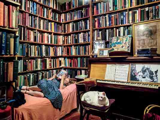 کتابفروشی شکسپیر و شرکا در پاریس