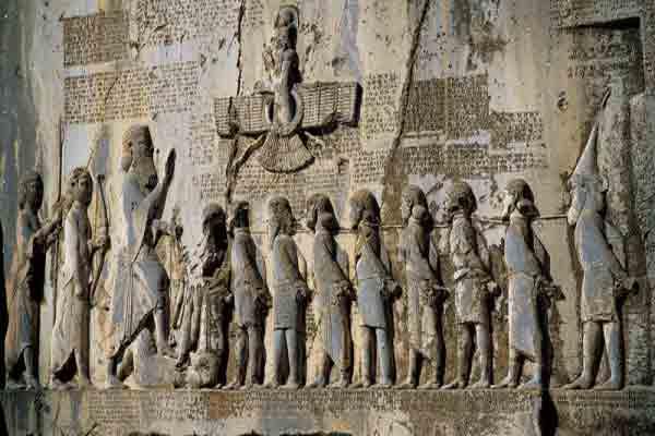 مشهورترین آثار باستانی کرمانشاه | جاذبه های گردشگری استان کرمانشاه