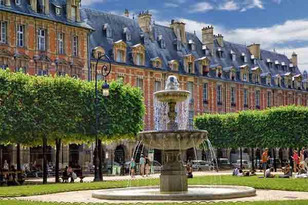 منطقه چهار پاریس | از هنر و معماری گرفته تا خرید و شب زنده داری