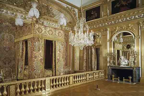 اتاق خواب پادشاه در کاخ ورسای فرانسه